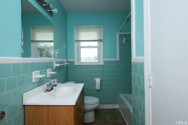 854 Five Points Road in Benson For Sale With Annie Meadows at Hudson Residential - Bathroom