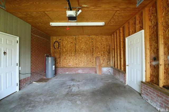 854 Five Points Road in Benson For Sale With Annie Meadows at Hudson Residential - Garage